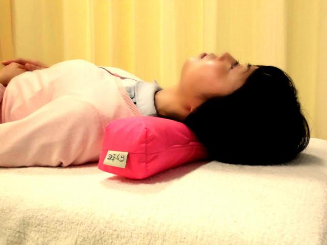 肩こりに悩む方のために枕を作りました だから、もう朝起きて、首が痛い・・・何てことはありません!